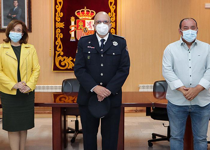 La alcaldesa felicita a la Policía Local de Argamasilla de Calatrava en la festividad de sus patronos