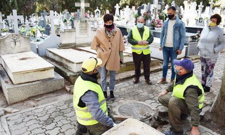 Isabel Rodríguez visita los trabajos de mejora y mantenimiento del Cementerio Municipal