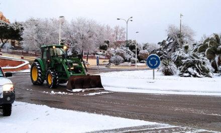 El Ayuntamiento de Puertollano ha distribuido en una semana 28.000 kilos de fundente en prevención de placas de hielo