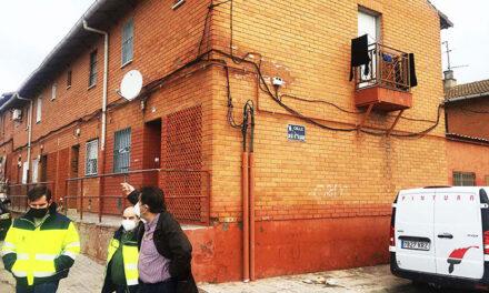 Rehabilitadas ocho viviendas públicas en las barriadas Las Mercedes y Cañamares