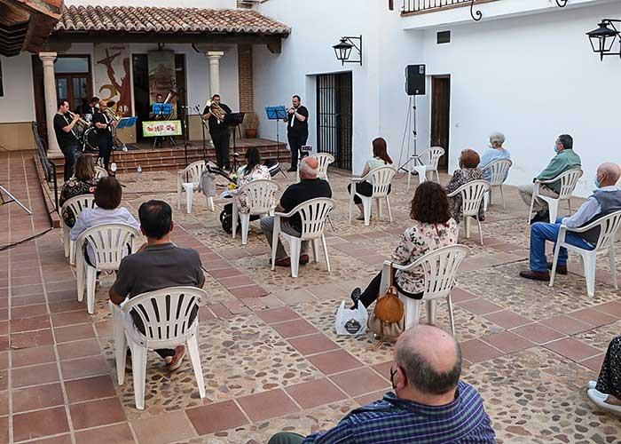 Almodóvar del Campo avala que los espectáculos culturales ya deben continuar