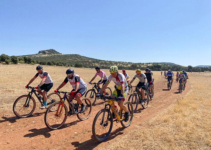 40 ciclistas en la ruta promocional del Geoparque, entre Almodóvar y Villamayor