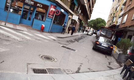 Comerciantes y hosteleros de la calle Puerto conocen de primera mano el proceso de remodelación de esta zona céntrica de la ciudad